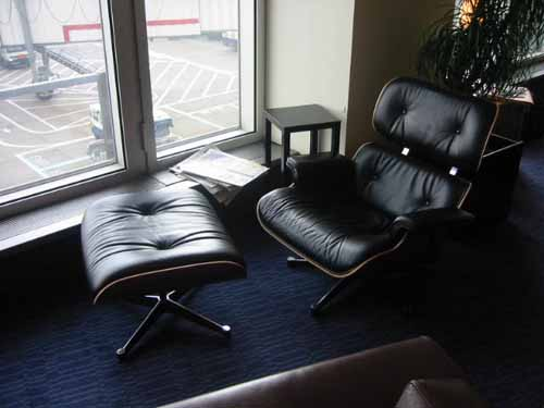 flight006-lounge-comfy.jpg