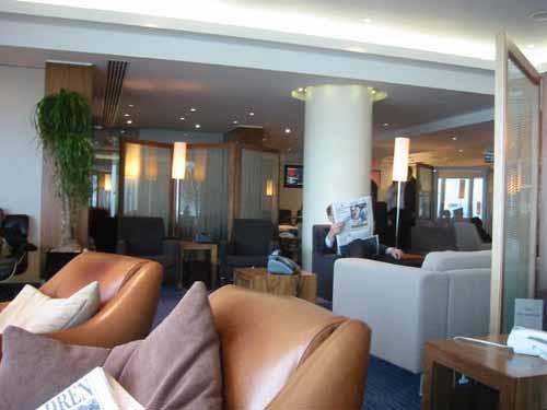 flight010-lounge1.jpg.jpg