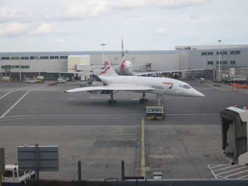 flight013-lounge-arriving2