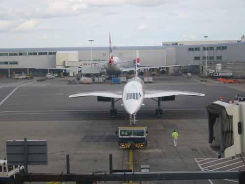 flight013-lounge-arriving4