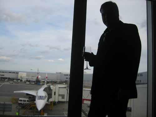 flight016-lounge-posing-ben.jpg