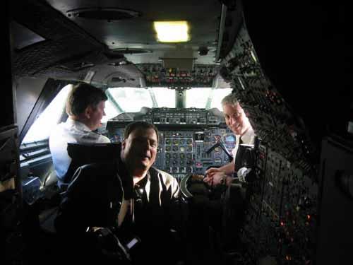 flight064-onboard-flightdeck-ben.jpg